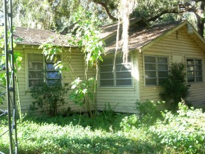 1 Cracker House- Front Porch and Master Bedroom-