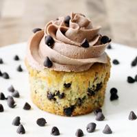 Banana Chocolate Chip Cupcakes with Chocolate Buttercream