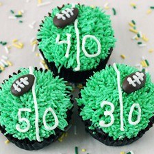 Game Day Football Cupcakes from Sarah's Bake Studio