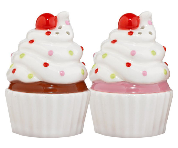 Cupcake Salt and Pepper Shakers Giveaway