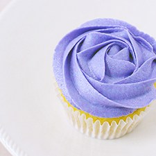 How To Frost A Rose Cupcake {Video Tutorial}