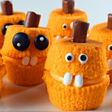 Jack-O-Lantern Cupcakes from The Bearfoot Baker
