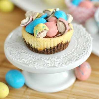 Malt Ball Mini Cheesecakes with Chocolate Ganache from Shugary Sweets