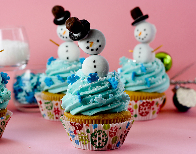 snowman-christmas-cupcakes