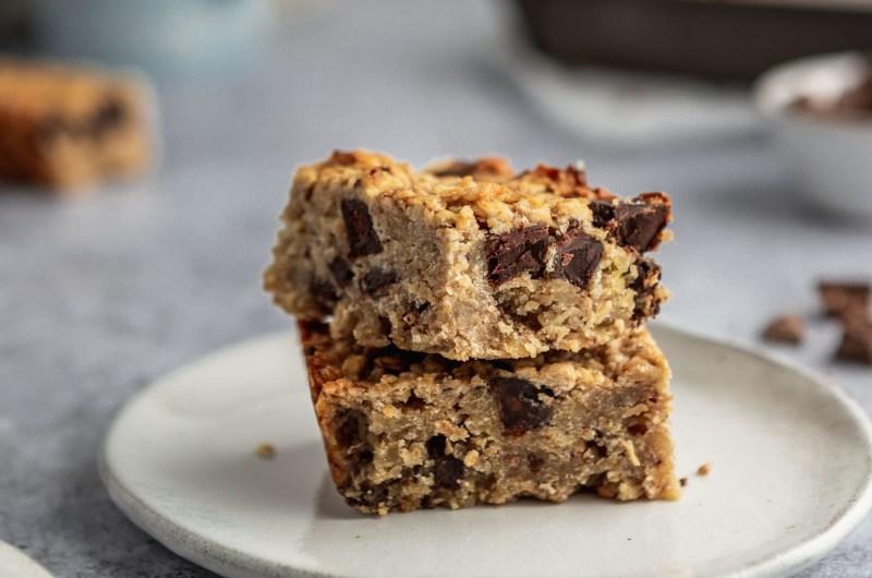 Chocolate chunk banana flapjack