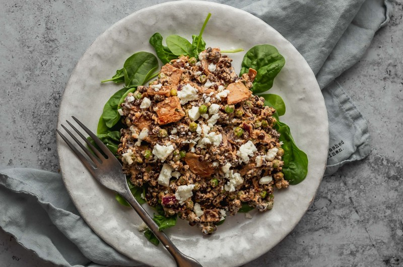 Creamy lentils with bacon, peas and feta