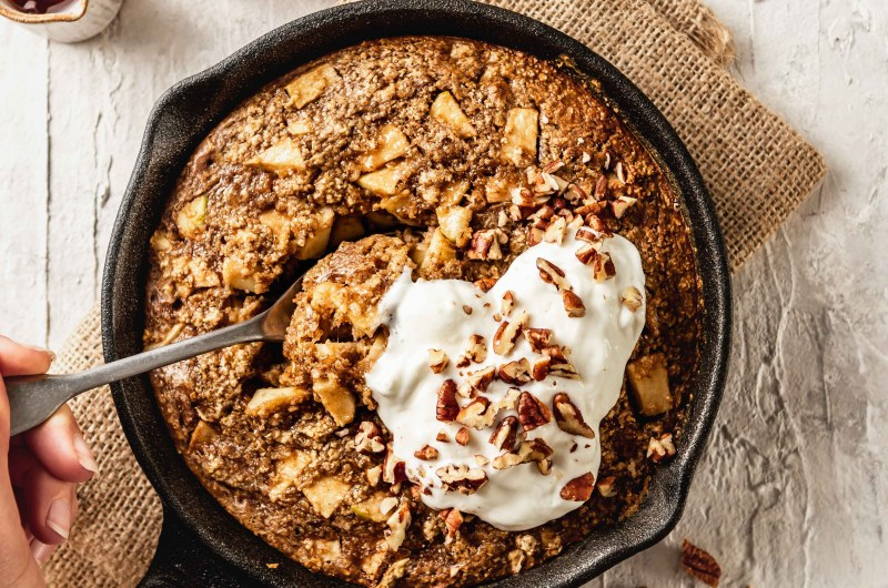 Apple pie baked oats
