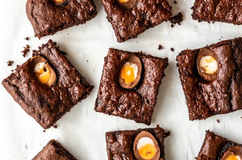 Healthy Creme Egg Brownies
