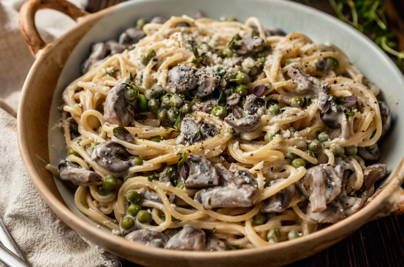 Creamy Mushroom & Pea Spaghetti