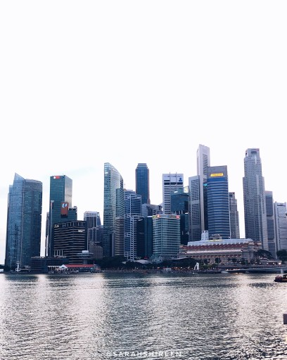 how to travel on a low budget in singapore