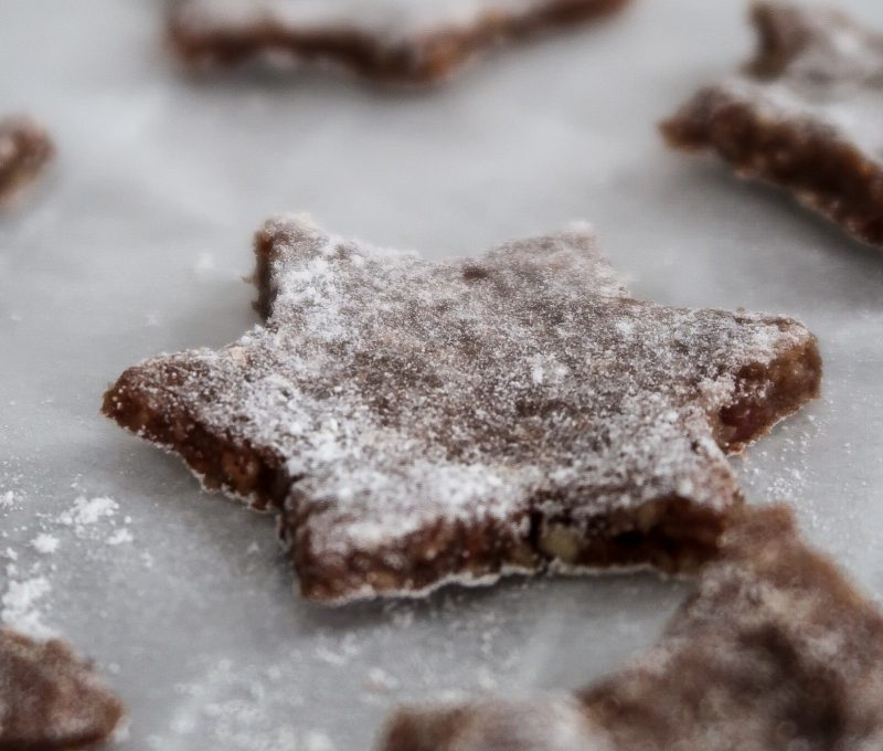 Vegan Cinnamon Star Cookies (oil-free, refined-sugar-free, gluten-free)