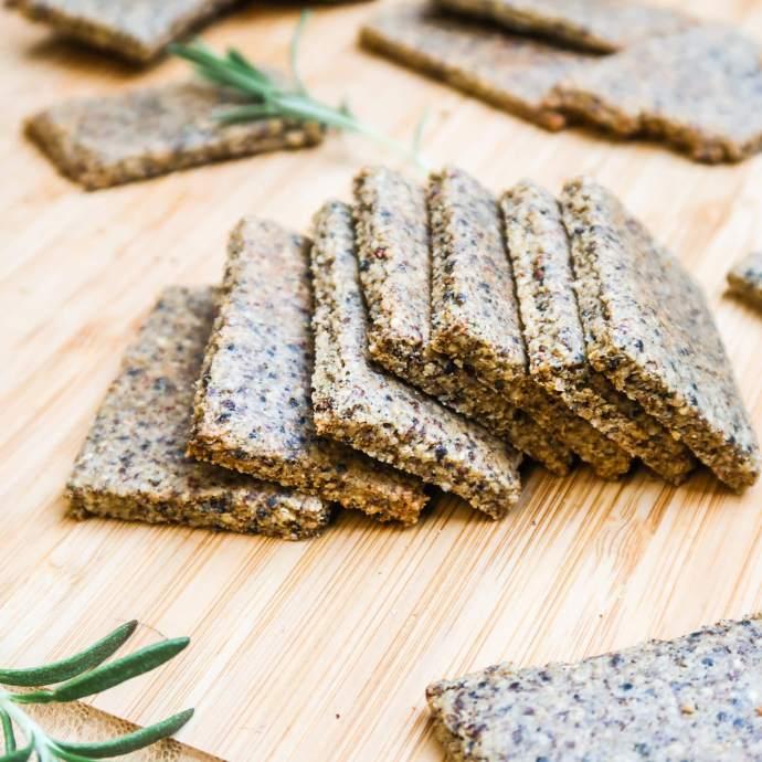 Healthy Vegan Crackers with Quinoa and Tahini