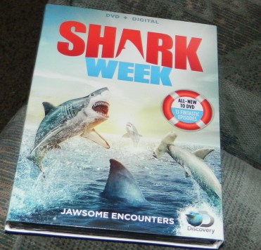 Shark Week: Jawsome Encounters [DVD + Digital]