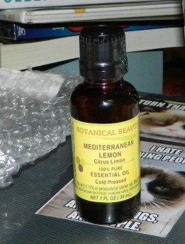 Botanical Beauty: Lemon Essential Oil 1oz