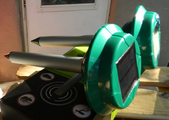 VENSMILE Solar Snake Repeller Repellent Control