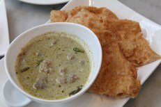 Green curry with roti (northern cuisine), watch the mini Thai bird chilies!
