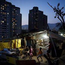 Jonas-Bendiksen-Caracas-001