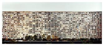 011_andreas-gursky_theredlist