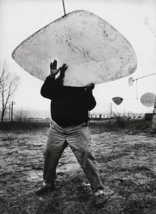 Ugo-Mulas-Alexander-Calder-Roxbury-1964-728x1000