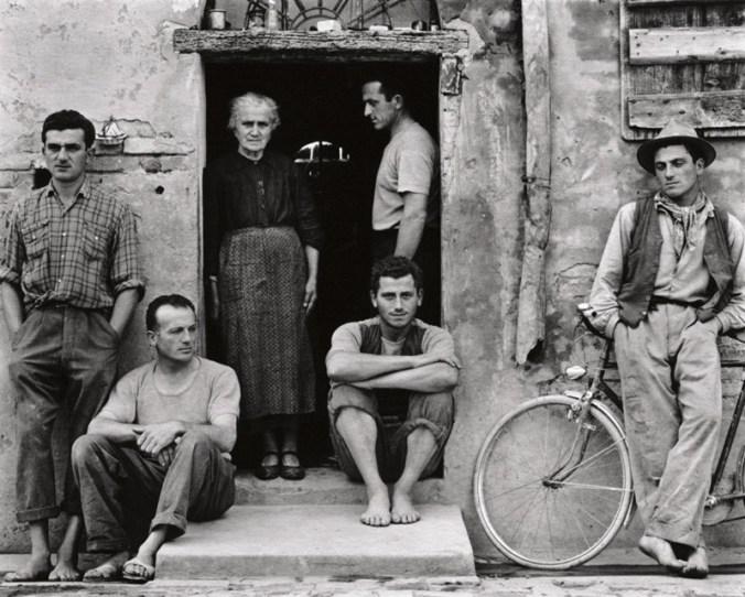 strand_the-family-luzzara-italy-1953