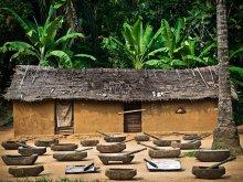 on-the-road-from-bikoro-to-bokonda-by-patrick-willocq-3 - Copia
