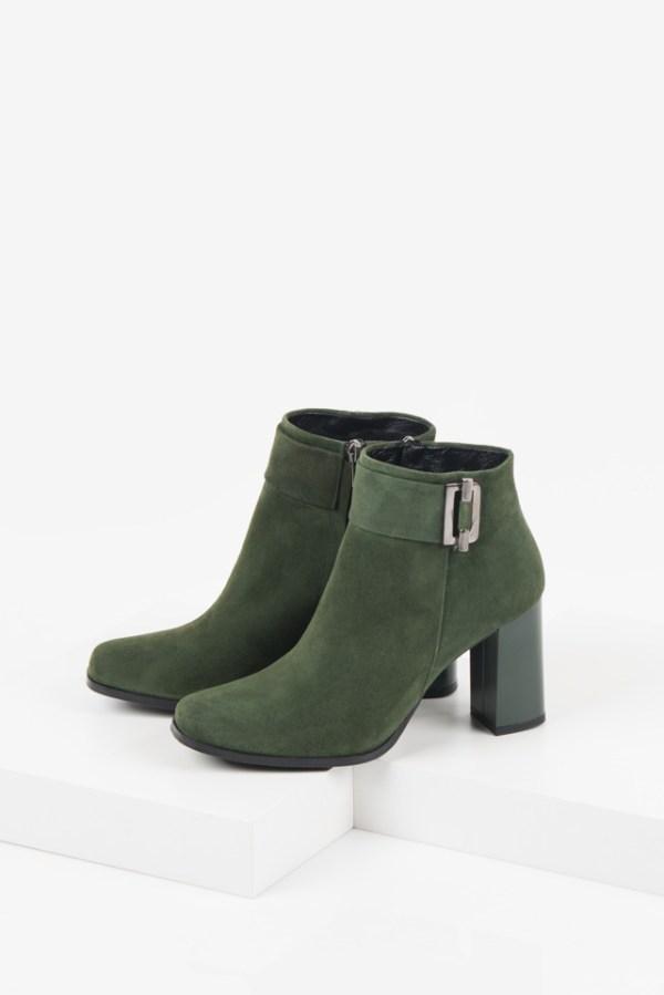 Велурени дамски боти в зелен цвят-240836