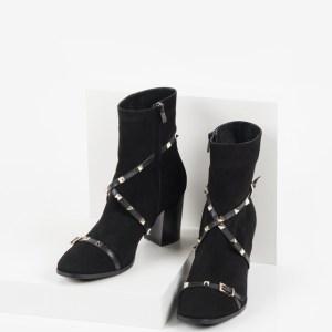 Велурени дамски боти в черен цвят-240948