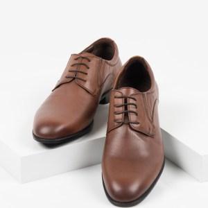 Класически мъжки обувки в камел цвят-040447-01