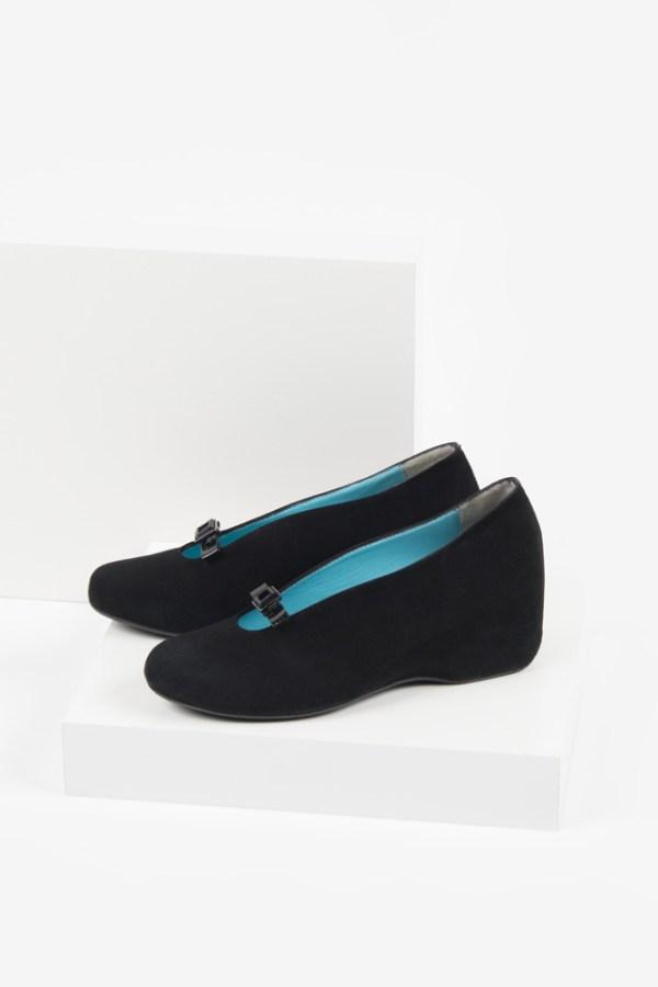 Велурени дамски обувки в черен цвят-2320-190