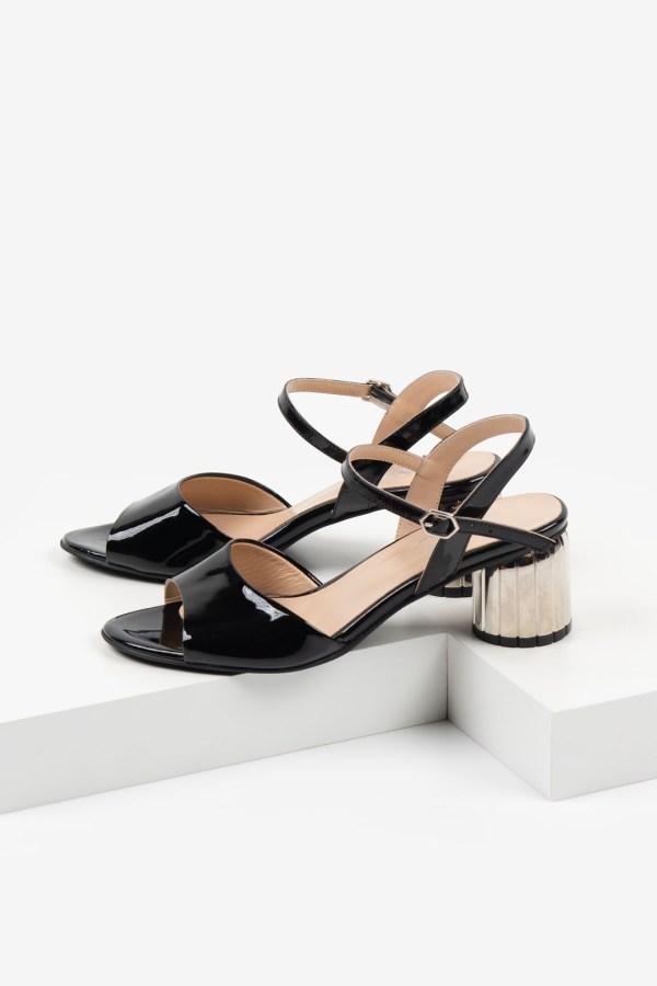 Лачени дамски сандали в черен цвят-481102-1