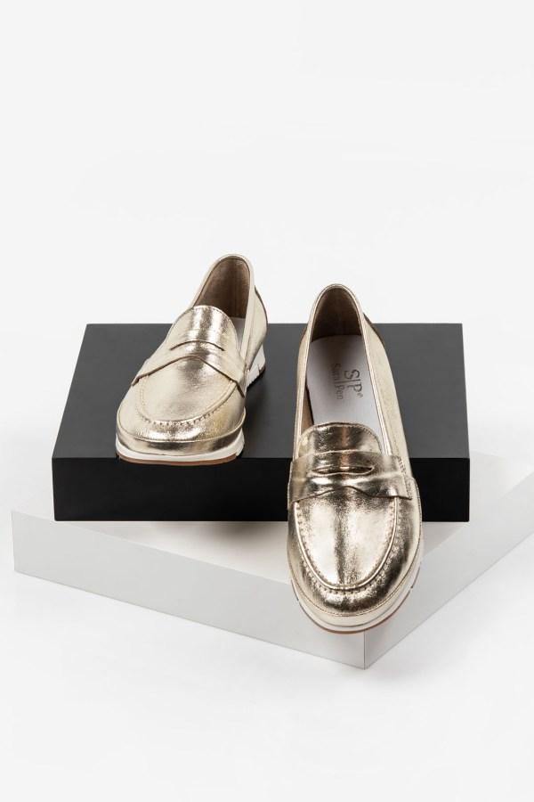 Кожени дамски обувки в златен цвят-2920210