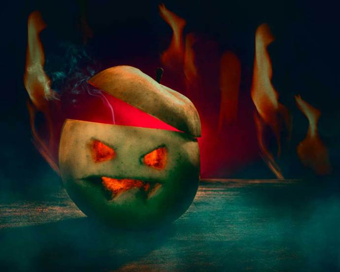 spooky images - a Halloween carved spooky apple!