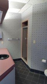 suite909-executive-suite-private-bathroom
