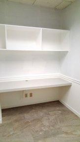 suite700-desk-shelving