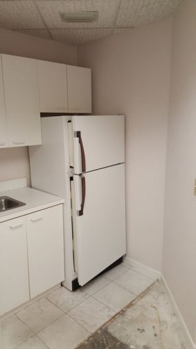 suite712-kitchenette1