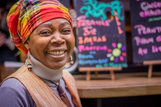 8. A woman with many colours around her (Marché des enfants rouges)