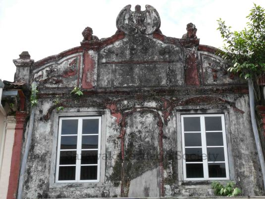An eye-catching facade in Carpenter Street, Kuching. Warranting heritage listing?