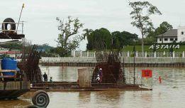 The construction of the 'Golden Bridge' has started (SHS photo-16 Nov. 2015)