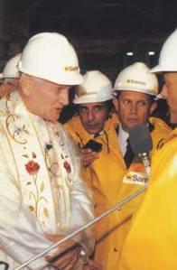 Nel 1985 Papa Giovanni Paolo II si reca in visita ai minatori in Sardegna