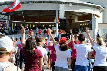 Medjugorje: canti - Foto di Sardegna Terra di Pace - Tutti i diritti riservati