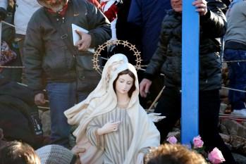 Medjugorje, Capodanno 2015: statua della Regina della Pace presso la Croce Blu (7) – Foto di Sardegna Terra di pace – Tutti i diritti riservati