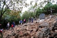 Medjugorje, Esaltazione della Croce 2016: Via crucis sul Krizevac (3) – Foto di Sardegna Terra di pace – Tutti i diritti riservati