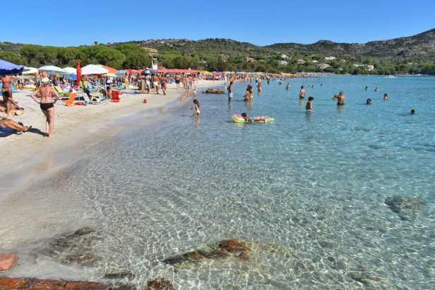 spiaggia porto istana