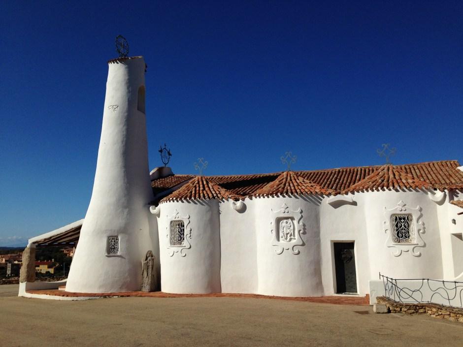 Il Campanile conico della chiesa Stella Maris