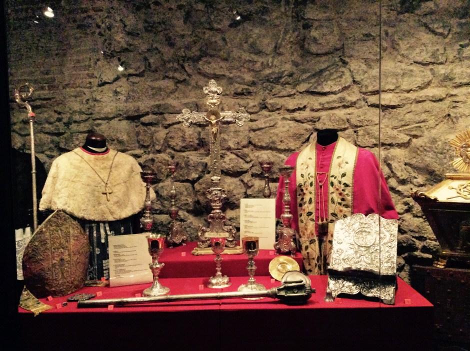 Paramenti liturgici - cripte di Castelsardo