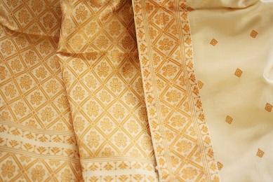 A close up of this beautiful pat silk