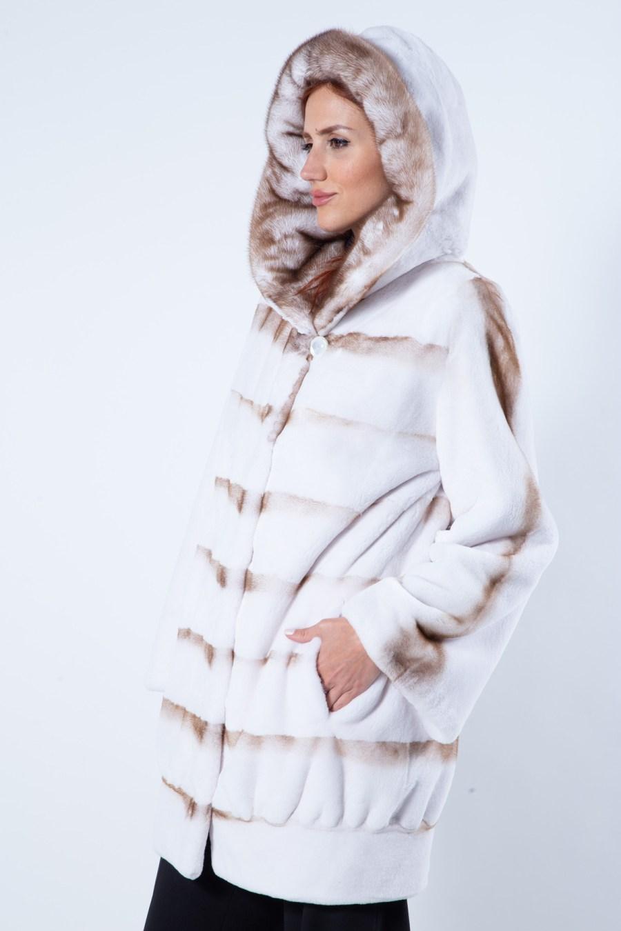 Goldwhite Sheared Mink Jacket with Hood   Пальто из меха стриженной норки цвета Goldwhite с капюшоном - Sarigianni Furs