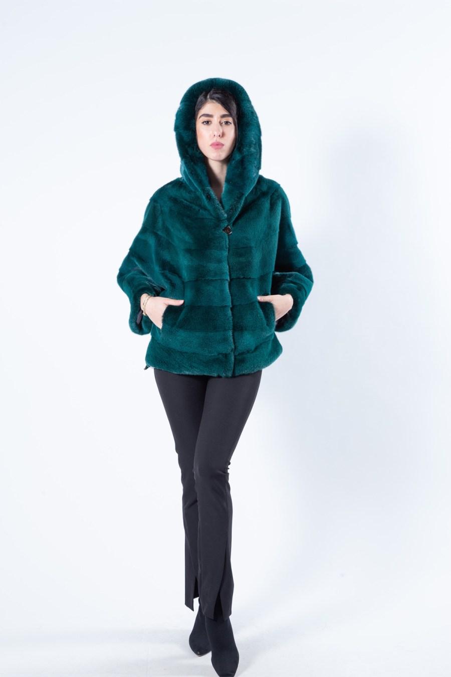 Shock Green Mink Fur Cape with Hood | Кейп из меха норки цвета Shock Green с капюшоном - Sarigianni Furs