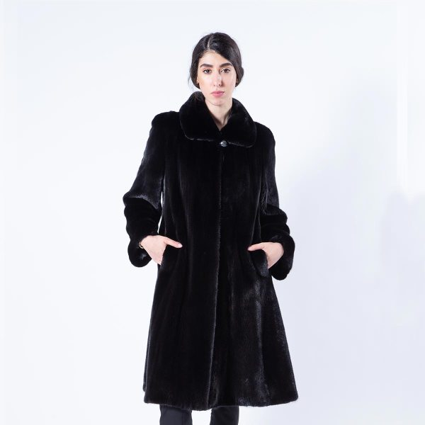 Blackglama Mink Fur Coat with regular sleeves | Sarigianni Furs