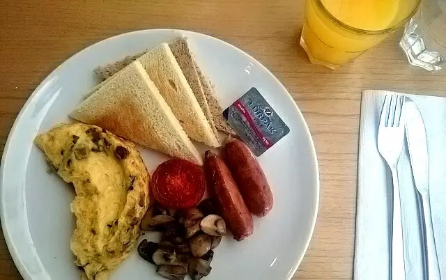 Ala Carte Breakfast, Brown & Butter, Berry Biz Hotel